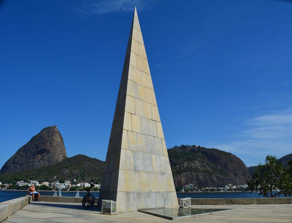 monumento-estacio-de-sa-2