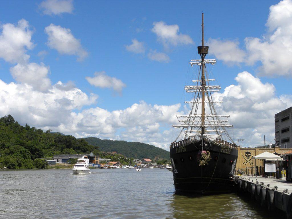 florianopolis-barco-pirata-02