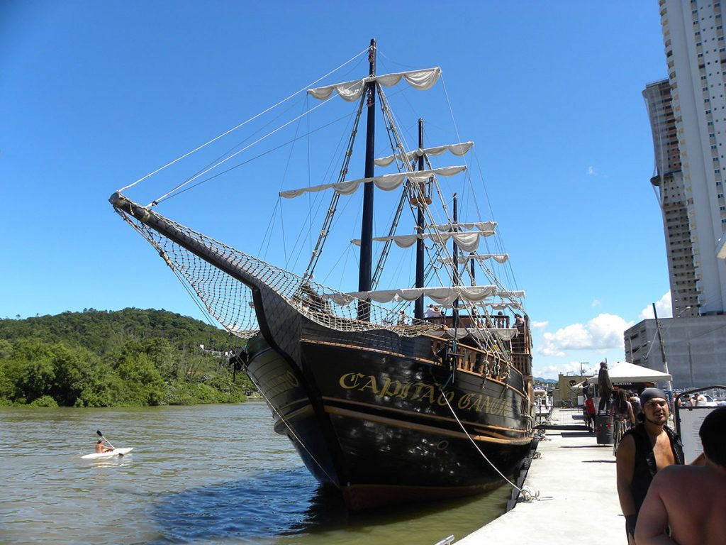 florianopolis-barco-pirata-06